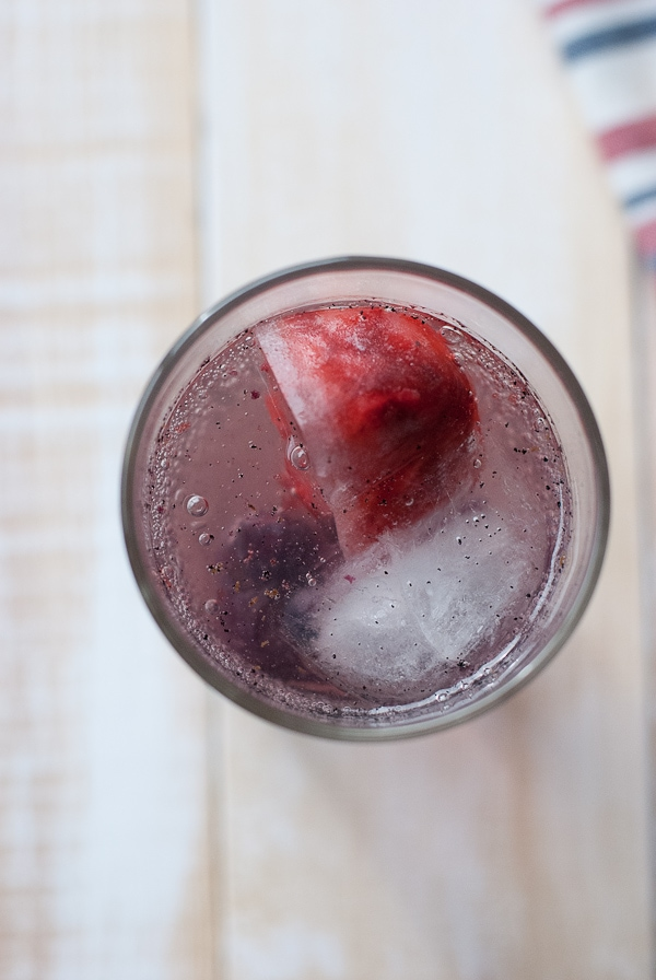 Red White And Blue Vanilla Bean Spritzer (Non-Alchoholic) #Holidayfoodparty (13)