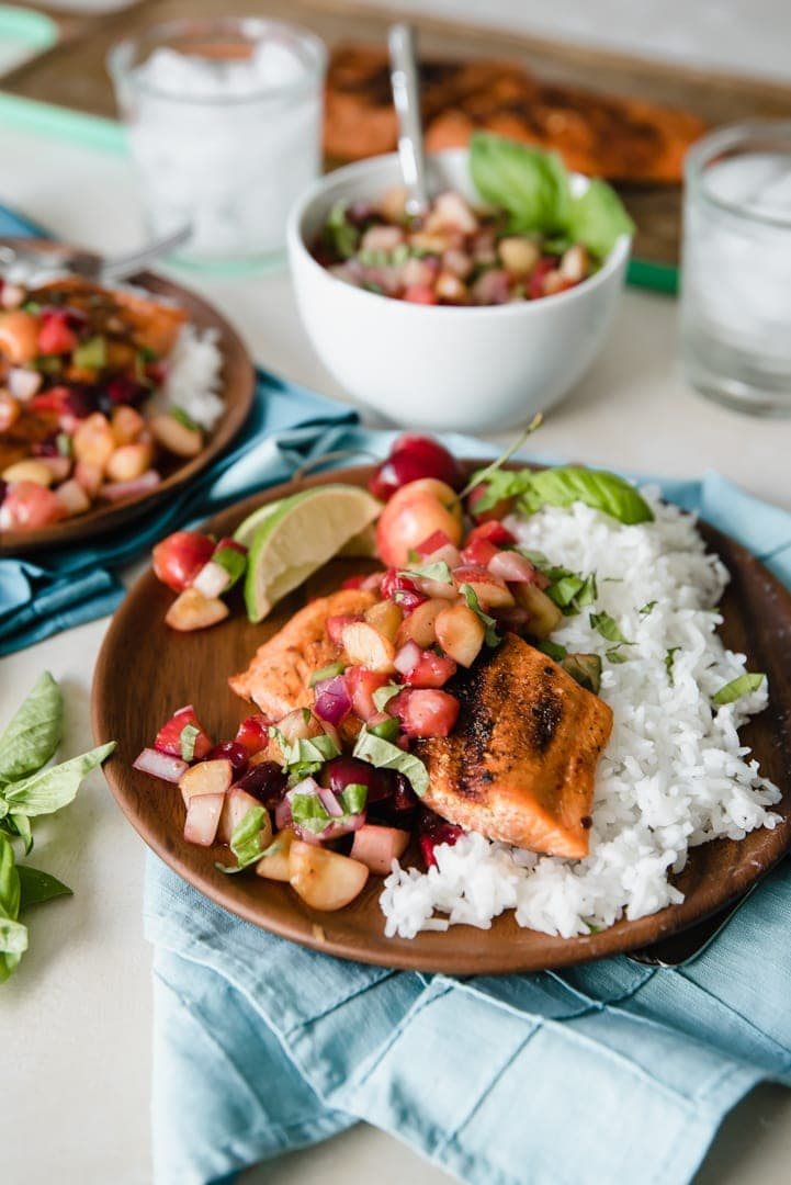 Grilled Salmon with Summer Fruit Salsa 189